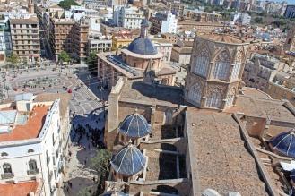 Vistas-de-la-plaza-y-la-catedral